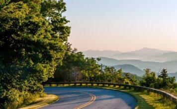 Rough Ridge Lookout On Blue Ridge Parkway North Carolina